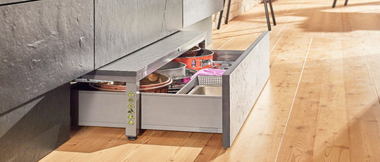 Blum-Space-Step